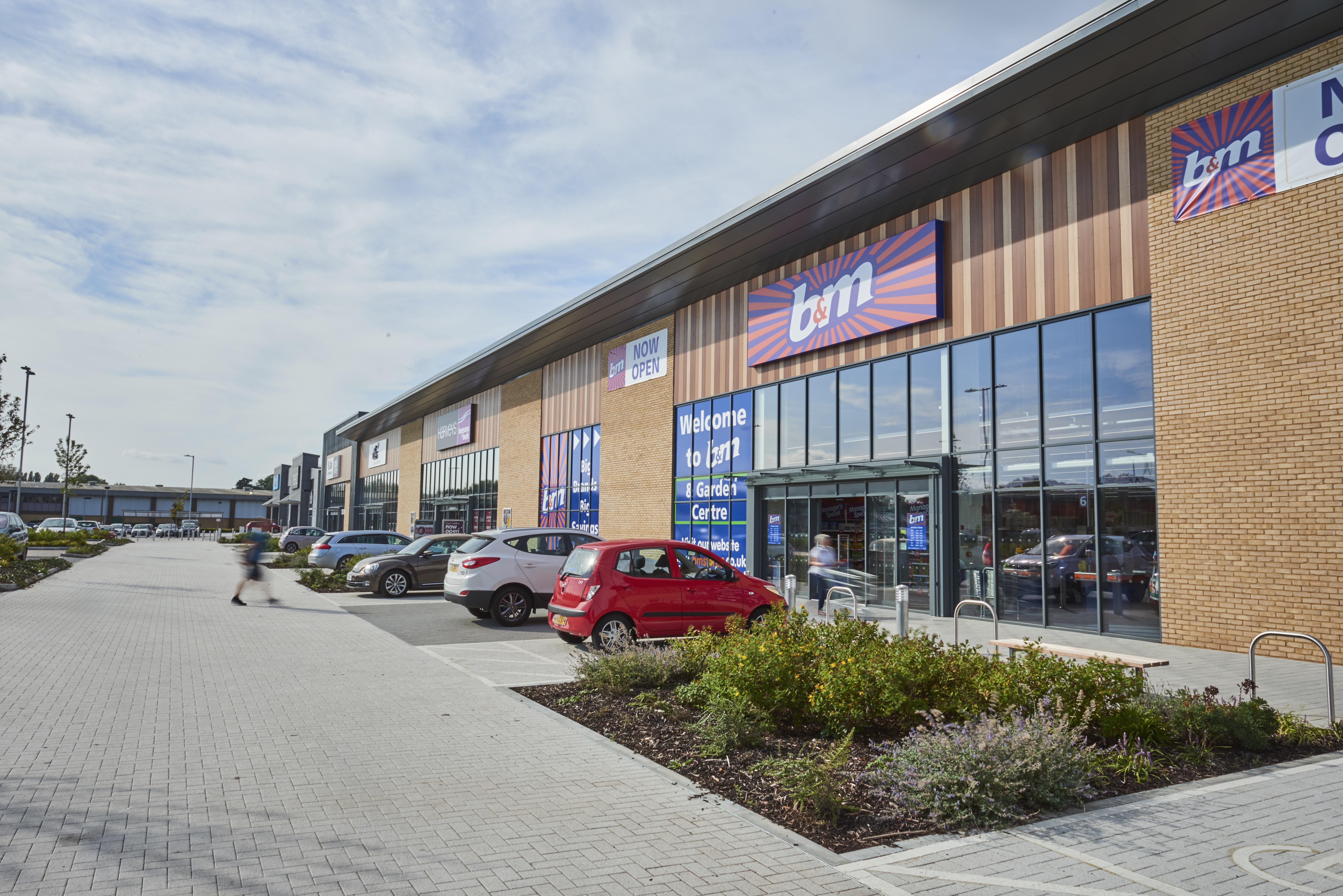 Lothbury Completes New Retail Park In Salisbury