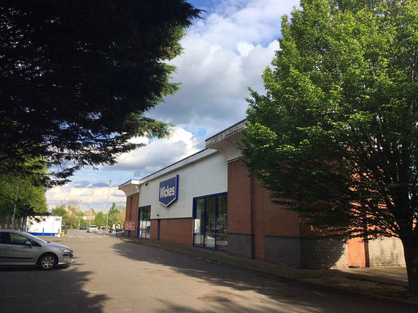 Lothbury Sells Botley Road, Oxford Unit For £11.42m